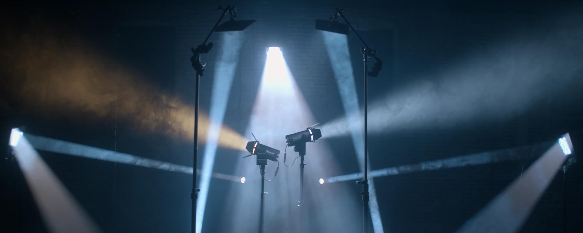 Lampy LED Aputure Light Storm LS 60d świecące punktowym i rozproszonym światłem