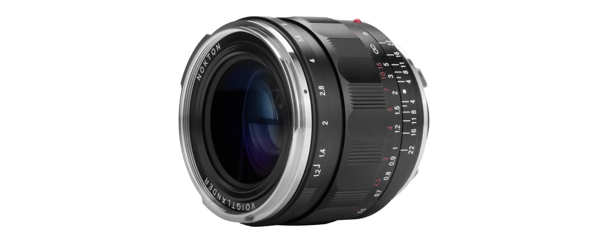 Voigtlander Nokton III 35mm f/1.2 lens for Leica M side view