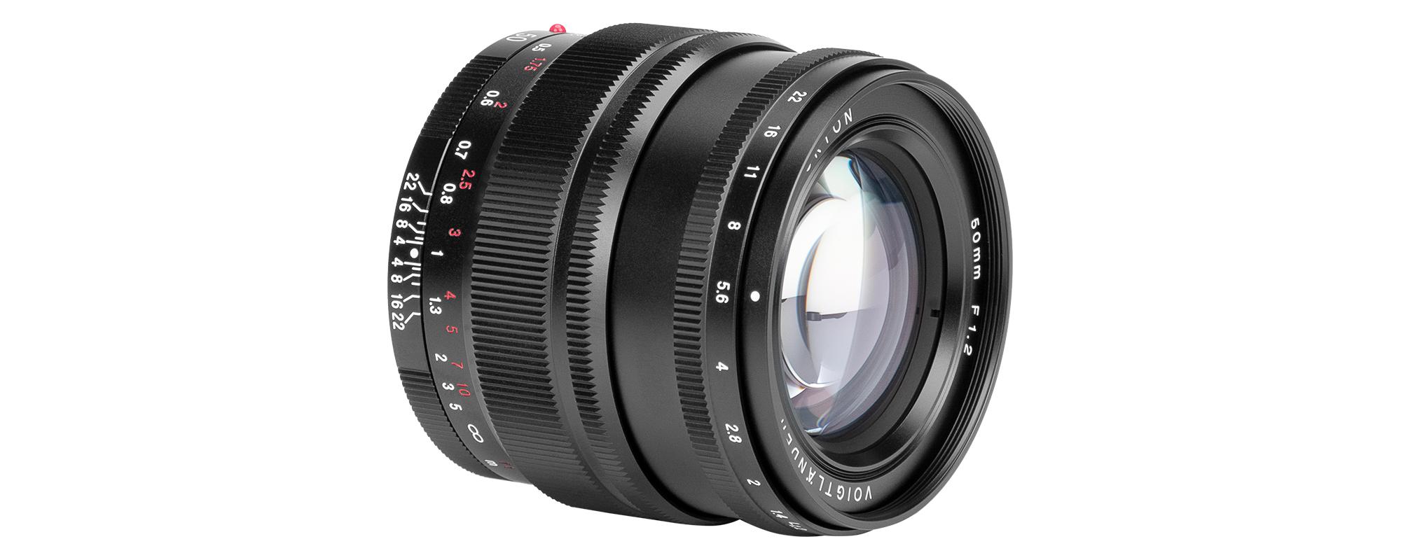 Obiektyw Voigtlander Nokton SE 50 mm f/1,2 do Sony E widok z boku