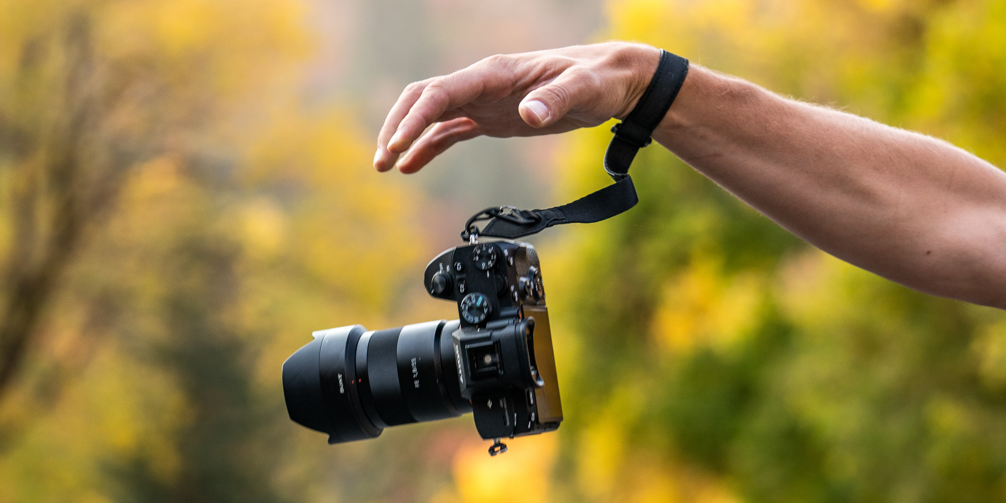 Wandrd Wrist Strap - an always safe camera